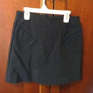 H&M women's size 6 black fitted skirt